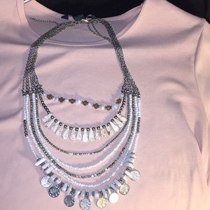 ✨✨Bohemian style white and silver necklace 💫